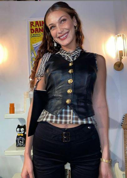 عارضة الأزياء بيلا حديد