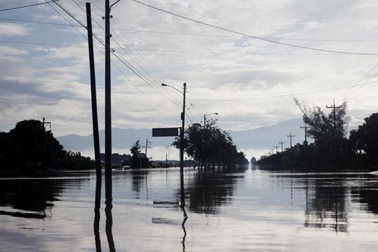 إعصار إيوتا يدمر جزيرة بروفيدينسيا فى كولومبيا (7)