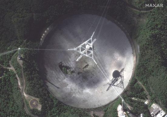 انقطاع كابل أكبر المراصد الفلكية بالعالم فى بورتوريكو (4)