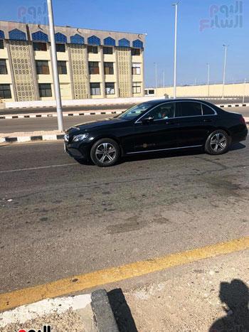 محمد صلاح يصل لمطار الغردقة الدولي (2)