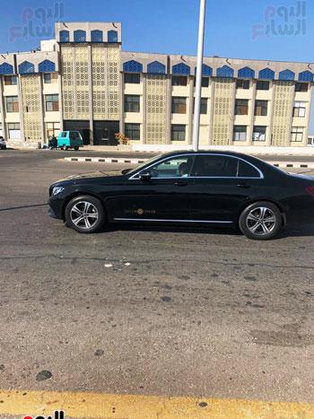 محمد صلاح يصل لمطار الغردقة الدولي (1)