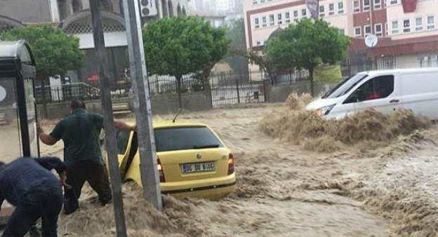 فيضان بسبب الأمطار