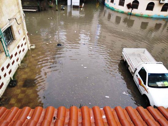 الأمطار تغرق شوارع المحافظات (8)