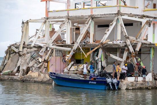 إعصار إيوتا يدمر جزيرة بروفيدينسيا فى كولومبيا (2)