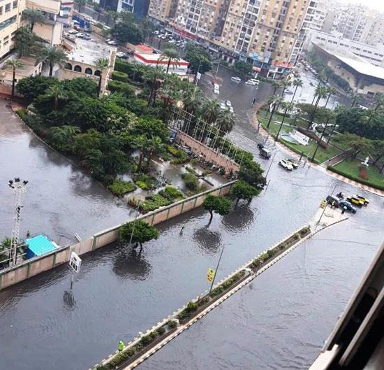 الأمطار تغرق شوارع المحافظات (7)