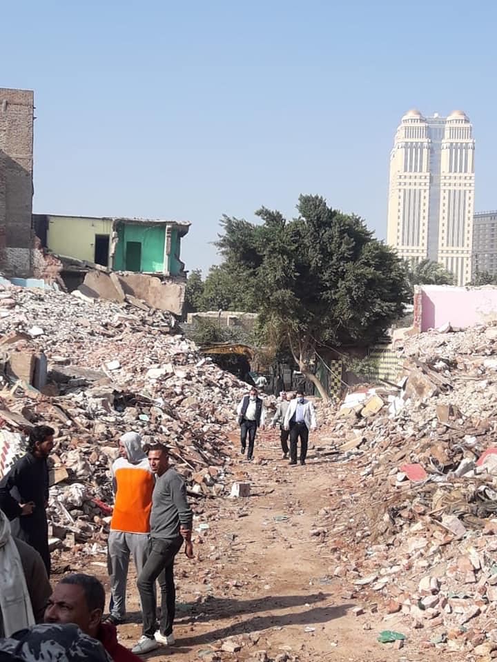 نائب محافظ القاهرة خلال أعمال نقل السكان (5)