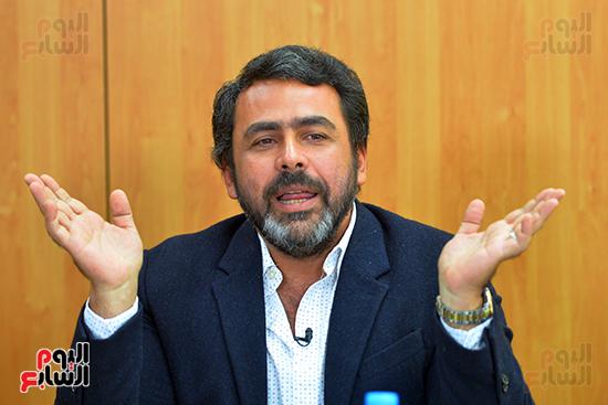 يوسف الحسيني المتحدث باسم القائمة الوطنية من أجل مصر