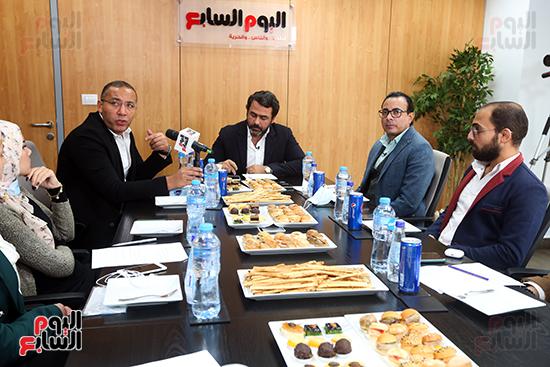 يوسف الحسيني يجيب على سؤال هل يهيمن حزب مستقبل وطن على المشهد السياسى في مصر