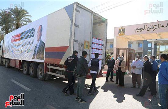 انطلاق القافلة الأكبر لتقديم المساعدات بمحافظات مصر (1)