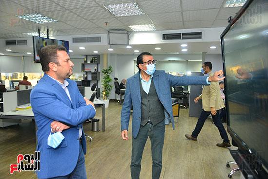 أحمد بيتشو ودندراوى الهواري رئيس التحرير التنفيذي