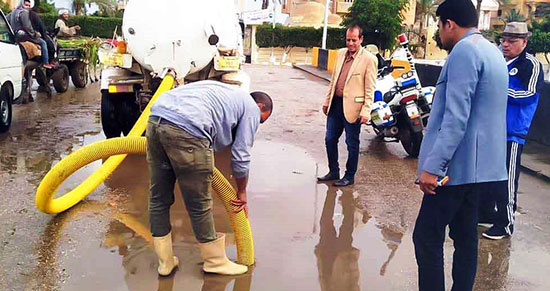 شفط مياه الأمطار من الشوارع (8)