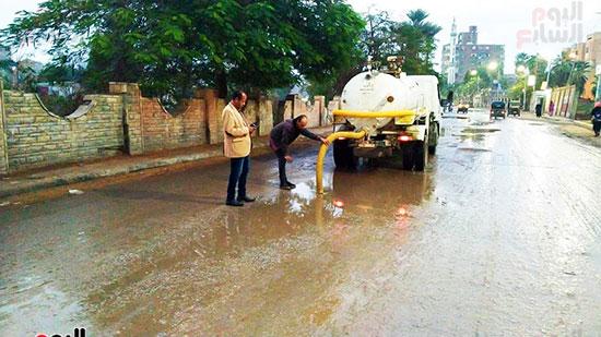 شفط مياه الأمطار من الشوارع (3)