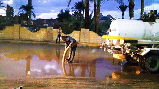 شفط مياه الأمطار من الشوارع (6)