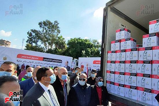 انطلاق القافلة الأكبر لتقديم المساعدات بمحافظات مصر (3)