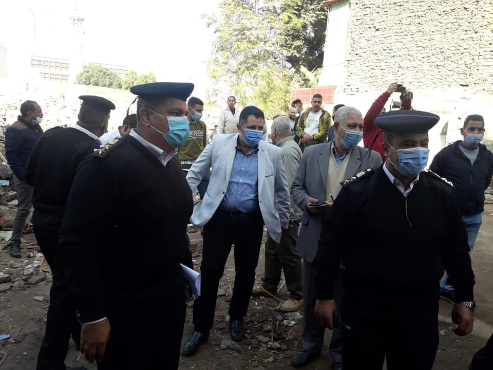 نائب محافظ القاهرة خلال أعمال نقل السكان (3)