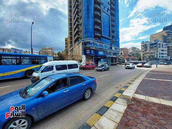 9- السائقون يتوخون الحذر من السرعات العالية