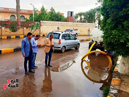 شفط مياه الأمطار من الشوارع (9)