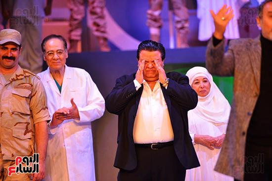 خالد جلال يبكى بعد العرض