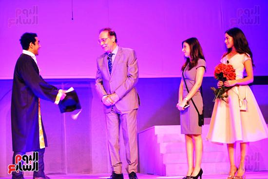 جانب من العرض المسرحى الوصية (1)