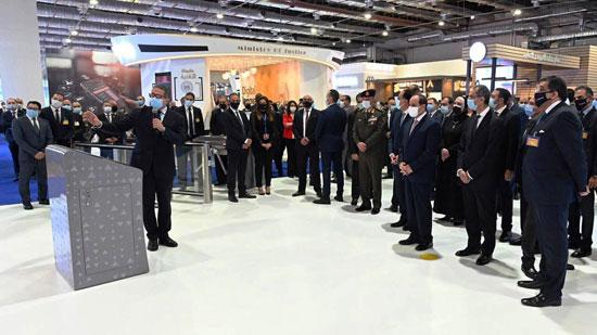 الرئيس السيسى يفتتح معرض ومؤتمر النقل الذكي للشرق الأوسط وأفريقيا (8)