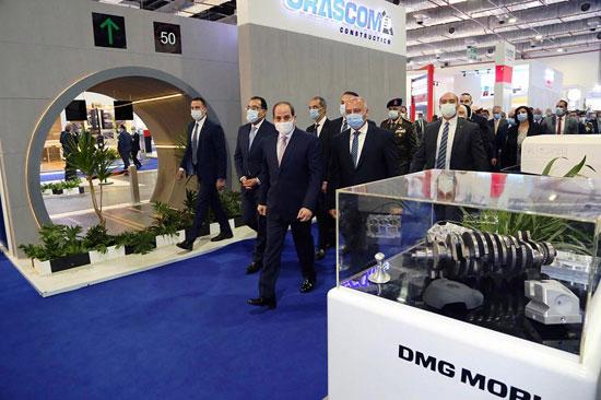 الرئيس السيسى يفتتح معرض ومؤتمر النقل الذكي للشرق الأوسط وأفريقيا (11)