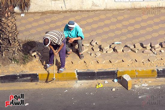 تكسير رصيف شارع البطل بالهندسين للمرة الثانية (5)