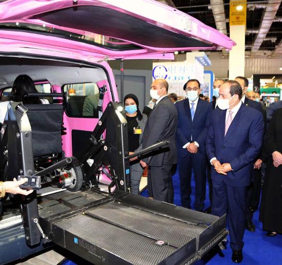 الرئيس السيسى يفتتح معرض ومؤتمر النقل الذكي للشرق الأوسط وأفريقيا (6)