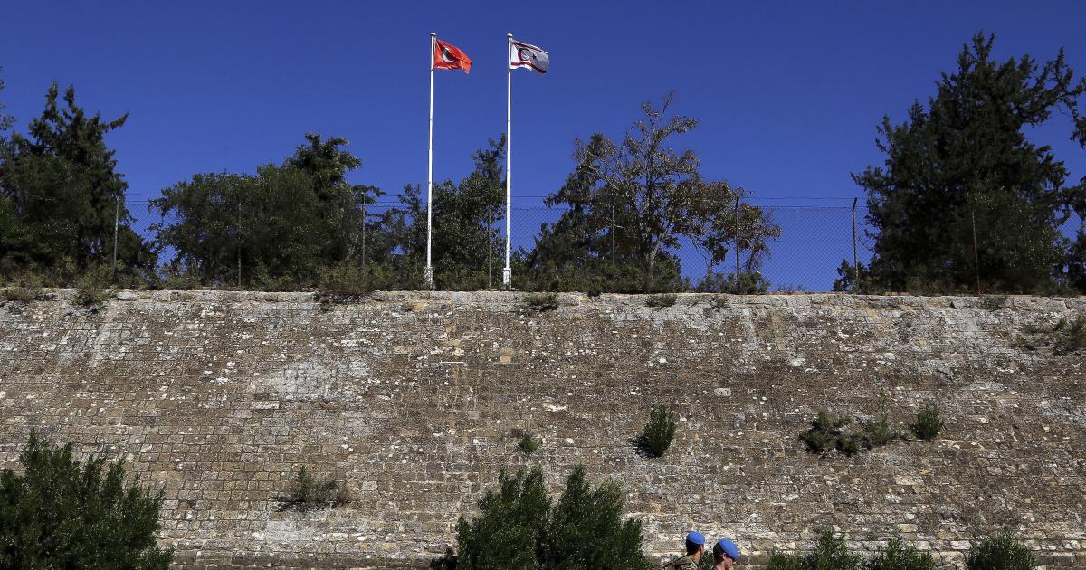المنطقة العازلة بين شطرى قبرص