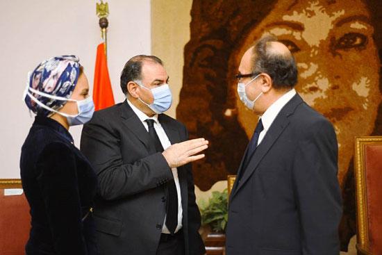 حفل تخرج الدفعة الثالثة من كلية التربية بجامعة مصر للعلوم والتكنولوجيا (6)