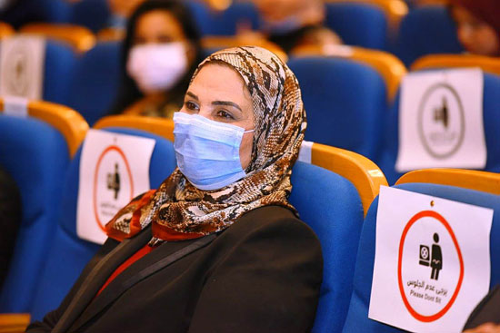 حفل تخرج الدفعة الثالثة من كلية التربية بجامعة مصر للعلوم والتكنولوجيا (23)