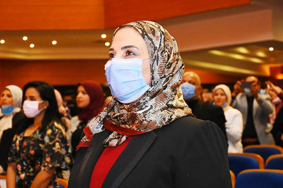 حفل تخرج الدفعة الثالثة من كلية التربية بجامعة مصر للعلوم والتكنولوجيا (20)