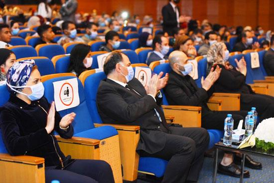 حفل تخرج الدفعة الثالثة من كلية التربية بجامعة مصر للعلوم والتكنولوجيا (21)
