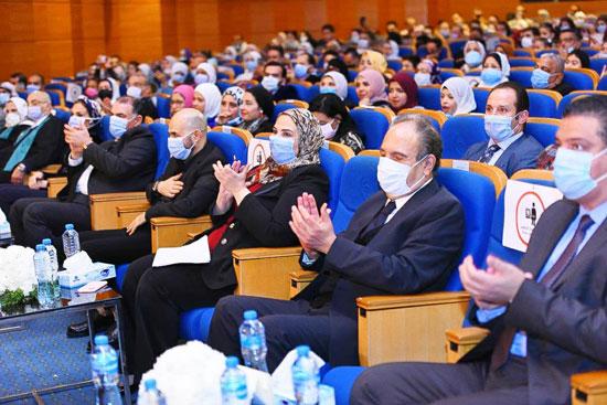 حفل تخرج الدفعة الثالثة من كلية التربية بجامعة مصر للعلوم والتكنولوجيا (1)