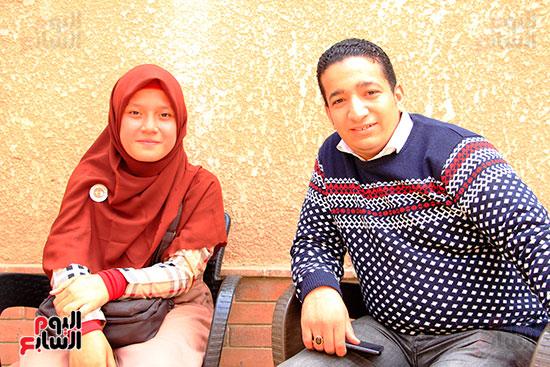 محرر-اليوم-السابع-مع-الطالبة-الإندونيسية-ناضلة
