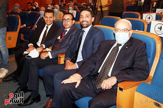 دكتور كمال درويش وإسلام الشاطر والكاتب الصحفى دندراوى الهوارى وعمر ربيع ياسين