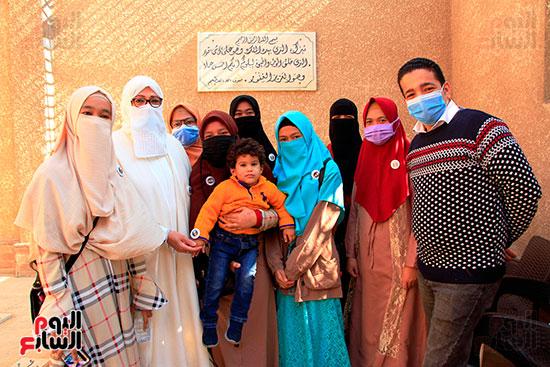 محرر-اليوم-السابع-وياسين-الخيام-ابنة-الشيخ-الحصرى-مع-الطالبات-الإندونيسيات