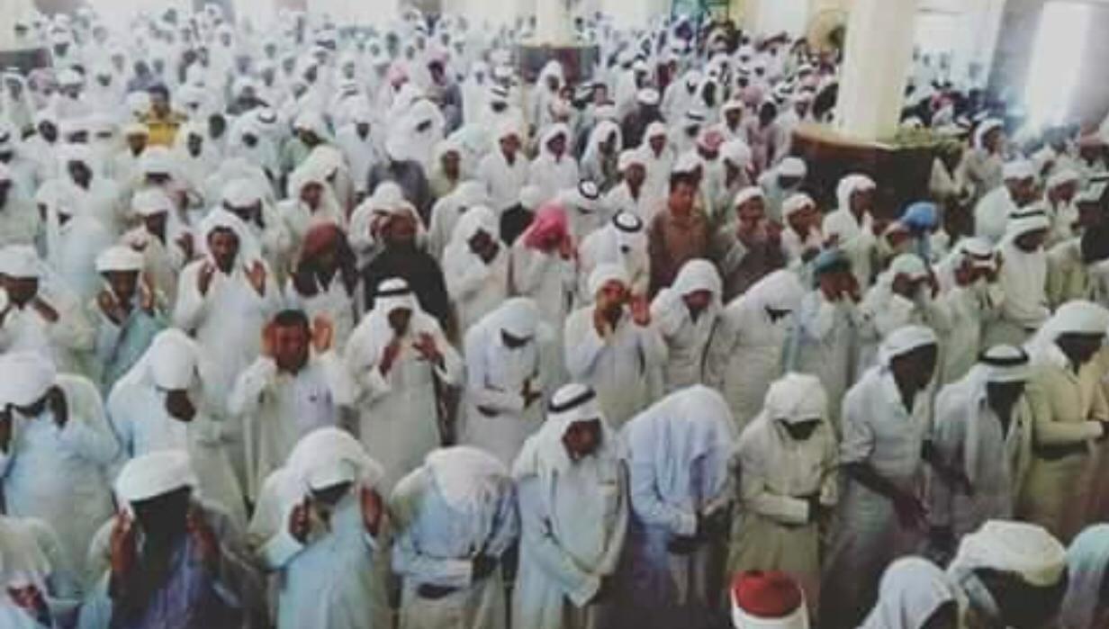 المصلين فى مسجد الروضة فى شمال سيناء