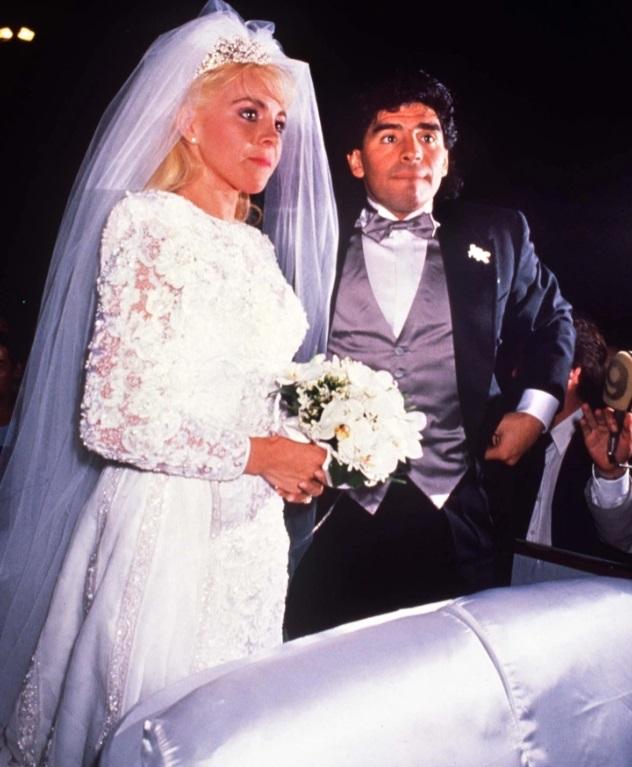 زواج مارادونا من كلوديا فيلافان