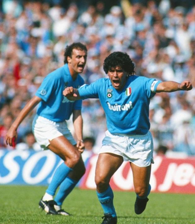 قضى مارادونا 7 مواسم مع نابولى سجل 115 هدفا فى 259 مباراة