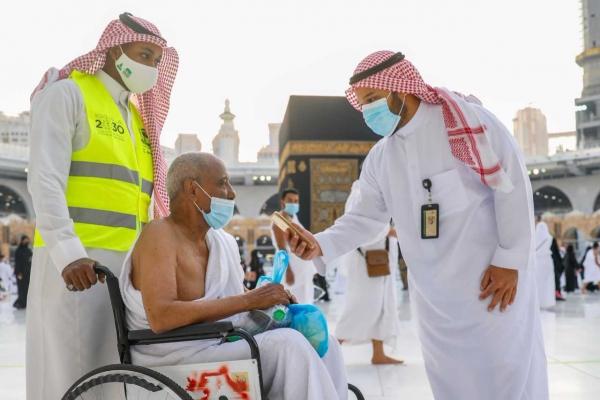 ..  توفير مسارات خاصة لطواف كبار السن والأشخاص ذوي الإعاقة لا يتجاوز 15 دقيقة  (4)