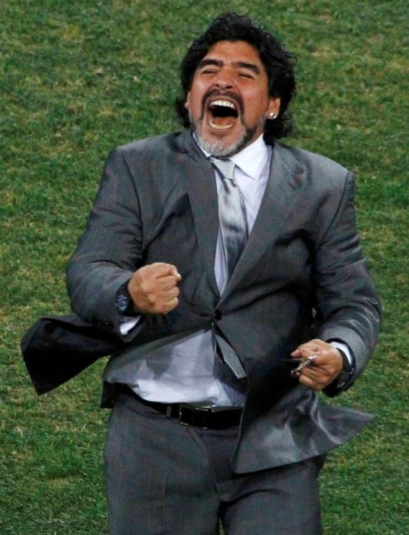 مارادونا اثناء قيادة منتخب الأرجنتين فى مونديال 2010