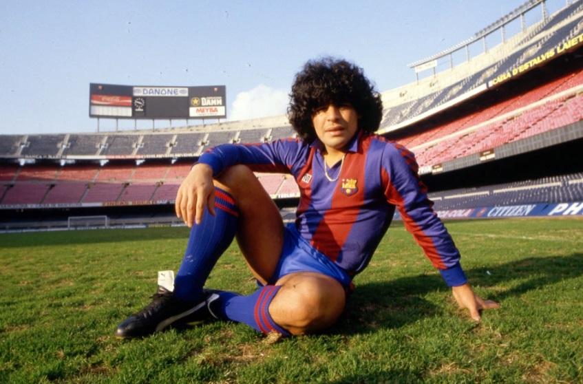 انضمام مارادونا عام 1982 لفريق برشلونة فى أغلم صفقة بالتاريخ وقتها