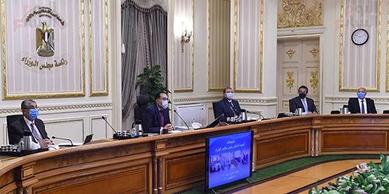 اجتماع مجلس الوزراء، الذي انعقد بتقنية فيديو كونفرانس (1)