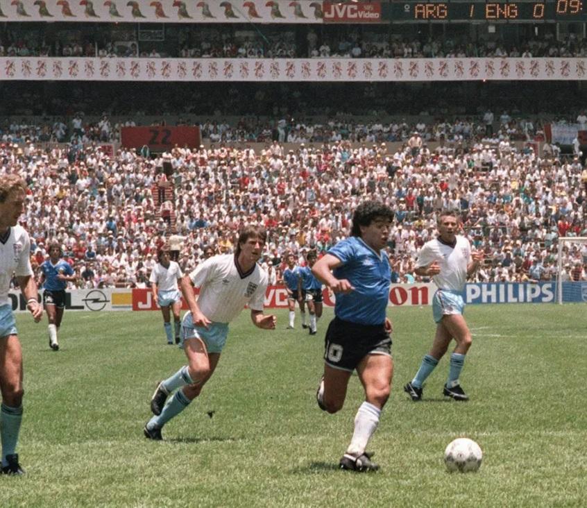مارادونا سجل هدفين فى شباك إنجلترا بكأس العالم 1986 بدور الثمانية