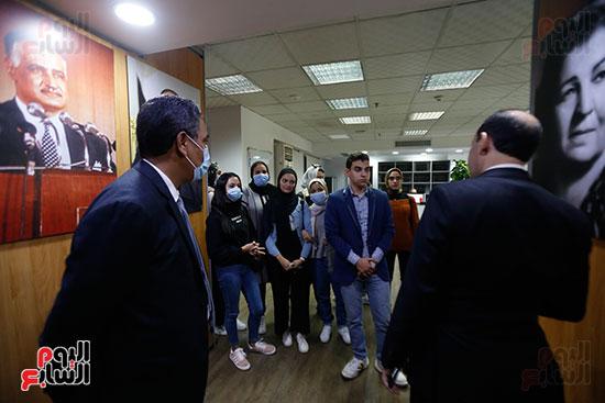 وفد كلية الإعلام جامعة النهضة (16)