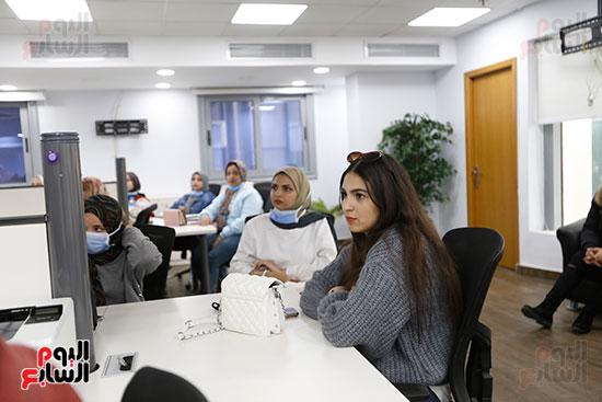 وفد كلية الإعلام جامعة النهضة (4)