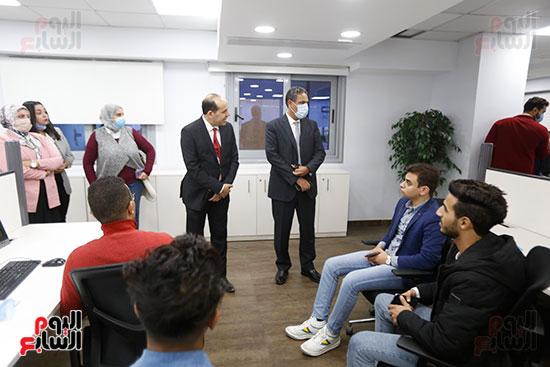 وفد كلية الإعلام جامعة النهضة (3)