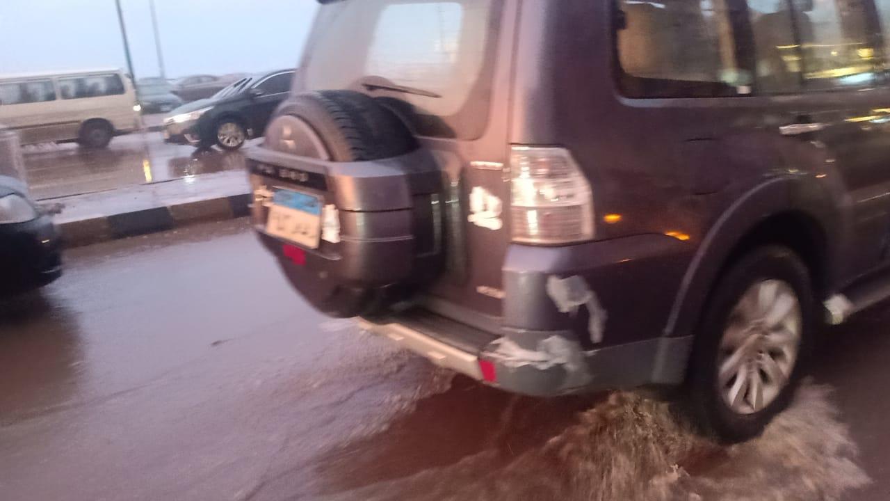 إرتفاع منسوب مياه الأمطار على الكورنيش  (4)