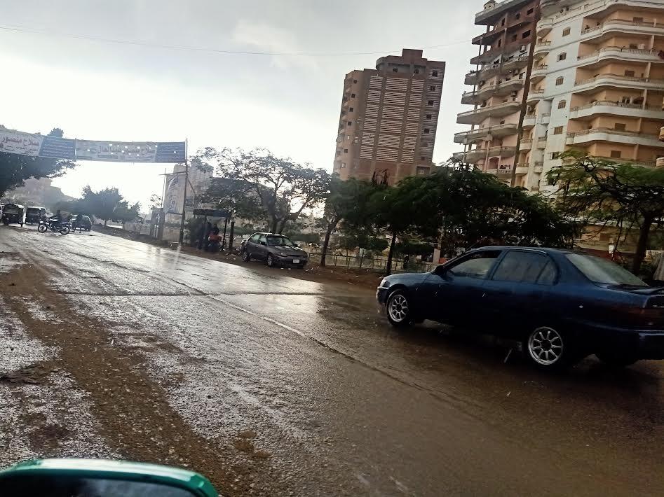 أمطار بالشوارع