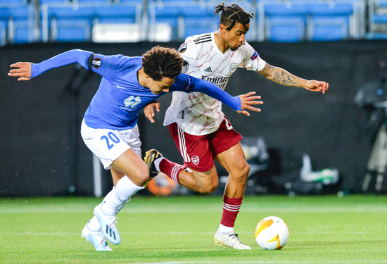 صراع-قوى-على-الكرة
